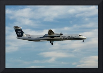 Horizon Airlines Q-400 YYJ Approach