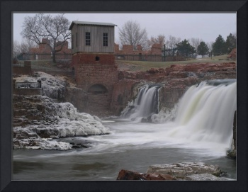 Main Falls of the Sioux Falls in Freezing Rain Sto