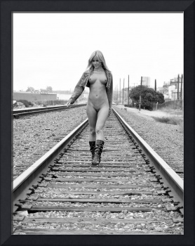 Sarah nude on the tracks
