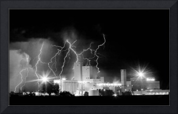Budweiser Lightning Thunderstorm Moving Out BW Pan