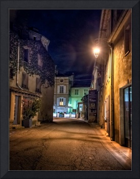 bonnieux at night