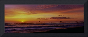 Horizon sunset panorama at Rialto Beach
