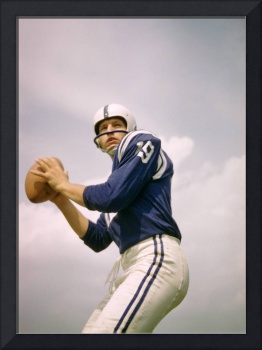 Johnny Unitas looking to throw