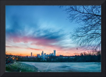 early morning sunrise over charlotte city skyline