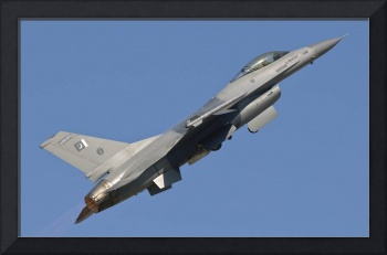 An F-16 of the Pakistan Air Force