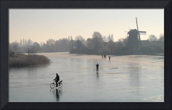 Cycling on the frozen river 1