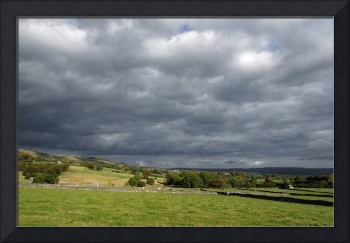 Storm Clouds, East of Monsal Head (34893-RDA)