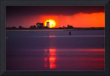 Stage-Harbor-Lighthouse-in-Chatham-at-Sunset