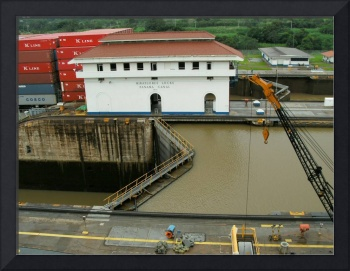C:\fakepath\Going and Comings of the Panama Canal