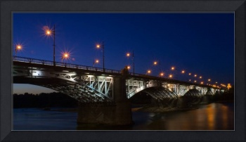 Night bridge in Warsaw, long exposition