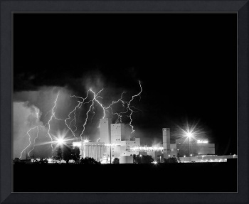 Budweiser Lightning Thunderstorm Moving Out BW C