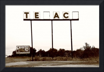 Route 66 - Abandoned Texaco Station