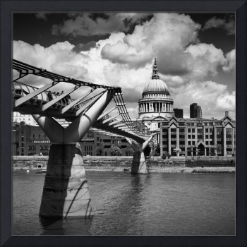 LONDON St Paul's Cathedral   Monochrome