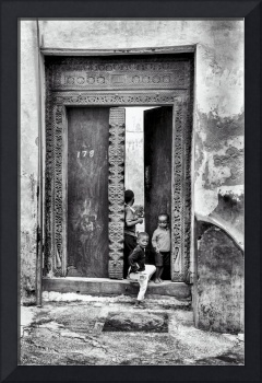 African Kids Playing - Stonetown Zanzibar 3609