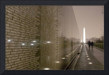 vietnam veterans memorial and Washington Monument