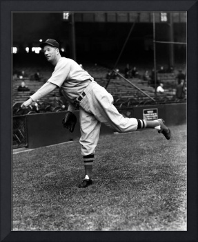 Lefty Grove pitching pre game