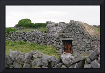 Inis Meáin Thatched Cottage