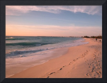 Cayman Islands : Seven Mile Beach at Sunset