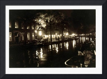Amsterdam Night (c)2002 L.Curtis