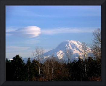 Mt. Rianier & Venticular cloud,Jan 2008