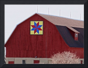 Eastern Star quilt pattern on old barn