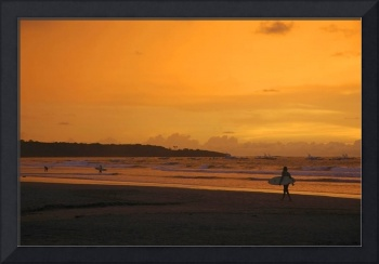 DSC_2659b Surfer at sunset in Playa Tamarindo