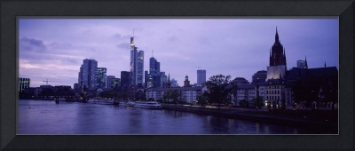 City at the waterfront Main River Frankfurt Cathe