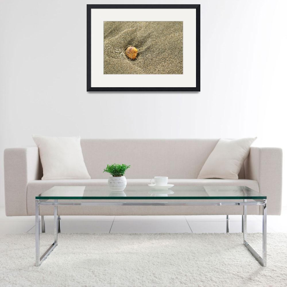"""Pebble on sand""  (2010) by pulen"