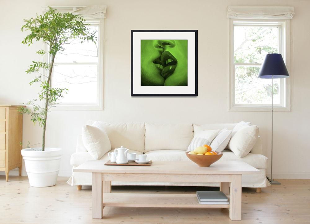 """""""Kiss Green Mood&quot  (2009) by MuseInLove"""