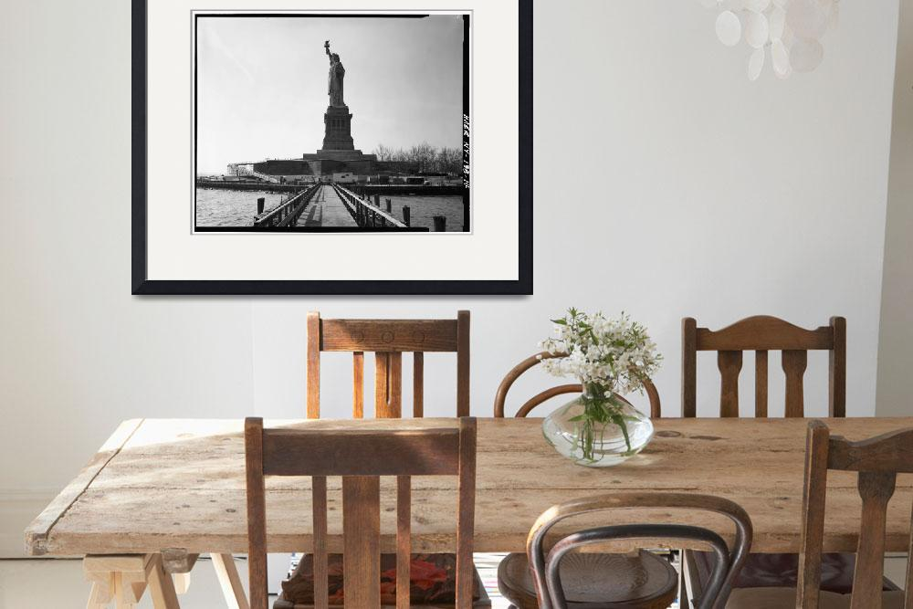 """""""Statue of Liberty Photograph - 5&quot  by Alleycatshirts"""