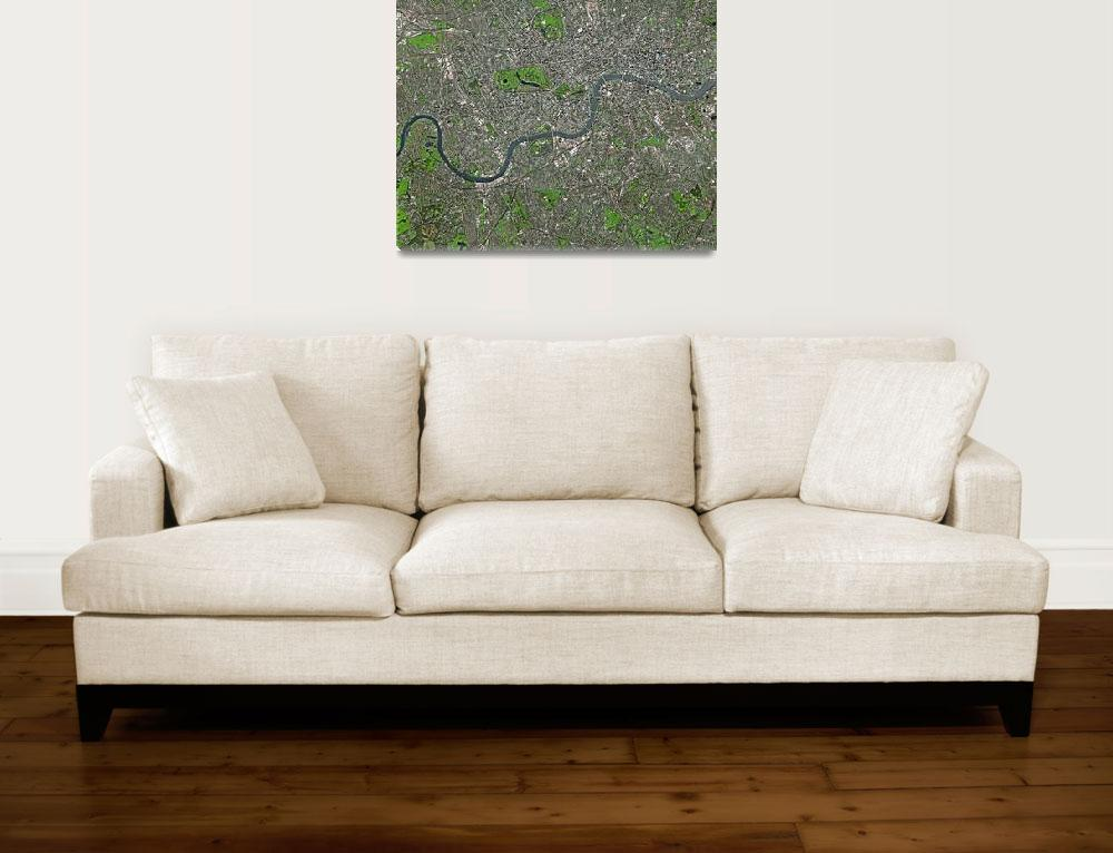 """London (United Kingdom) : Satellite Image""  (2004) by astriumgeo"