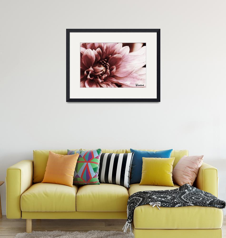 """""""Dahlia Blossom""""  (2010) by Attentiongetters"""