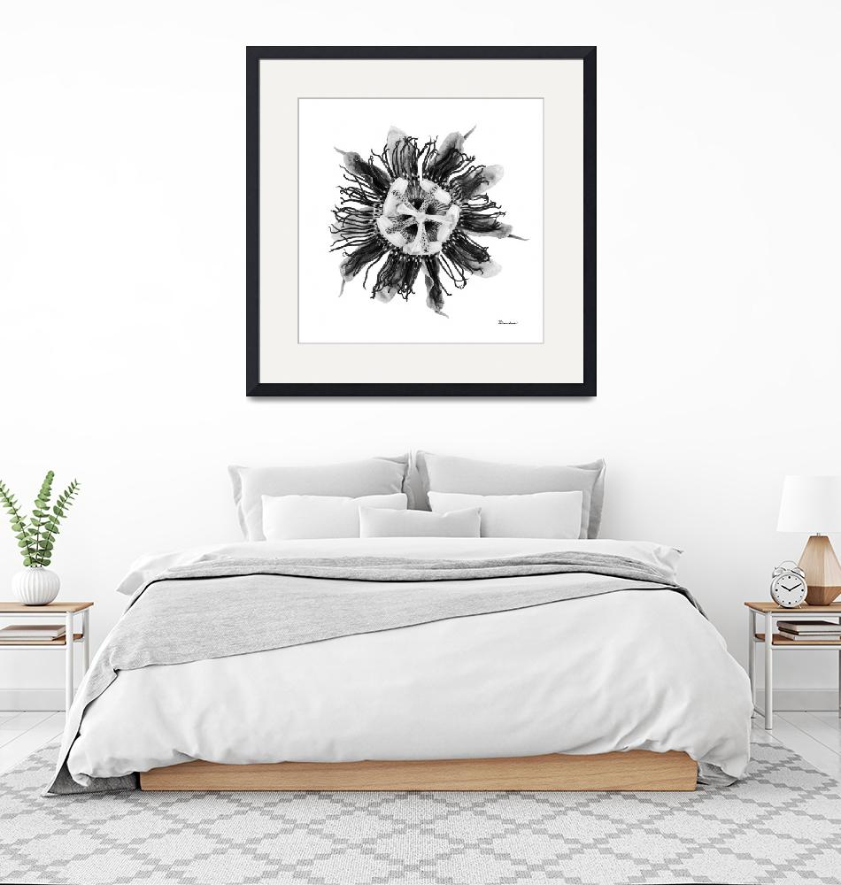 """Expressive Passion Flower in Greyscale 50674G""  (2018) by Ricardos"
