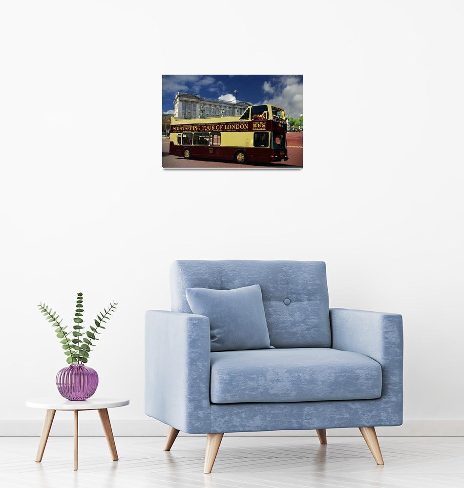 """London Tour Bus, Buckingham Palace, London""  (2010) by loversdream"