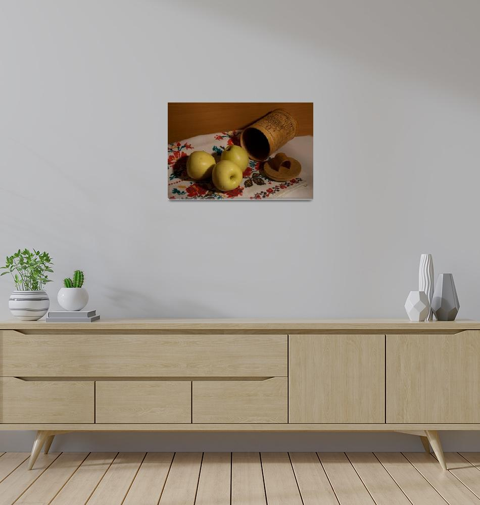 """Still life with apples a towel and tuesok""  by RomanPopov"