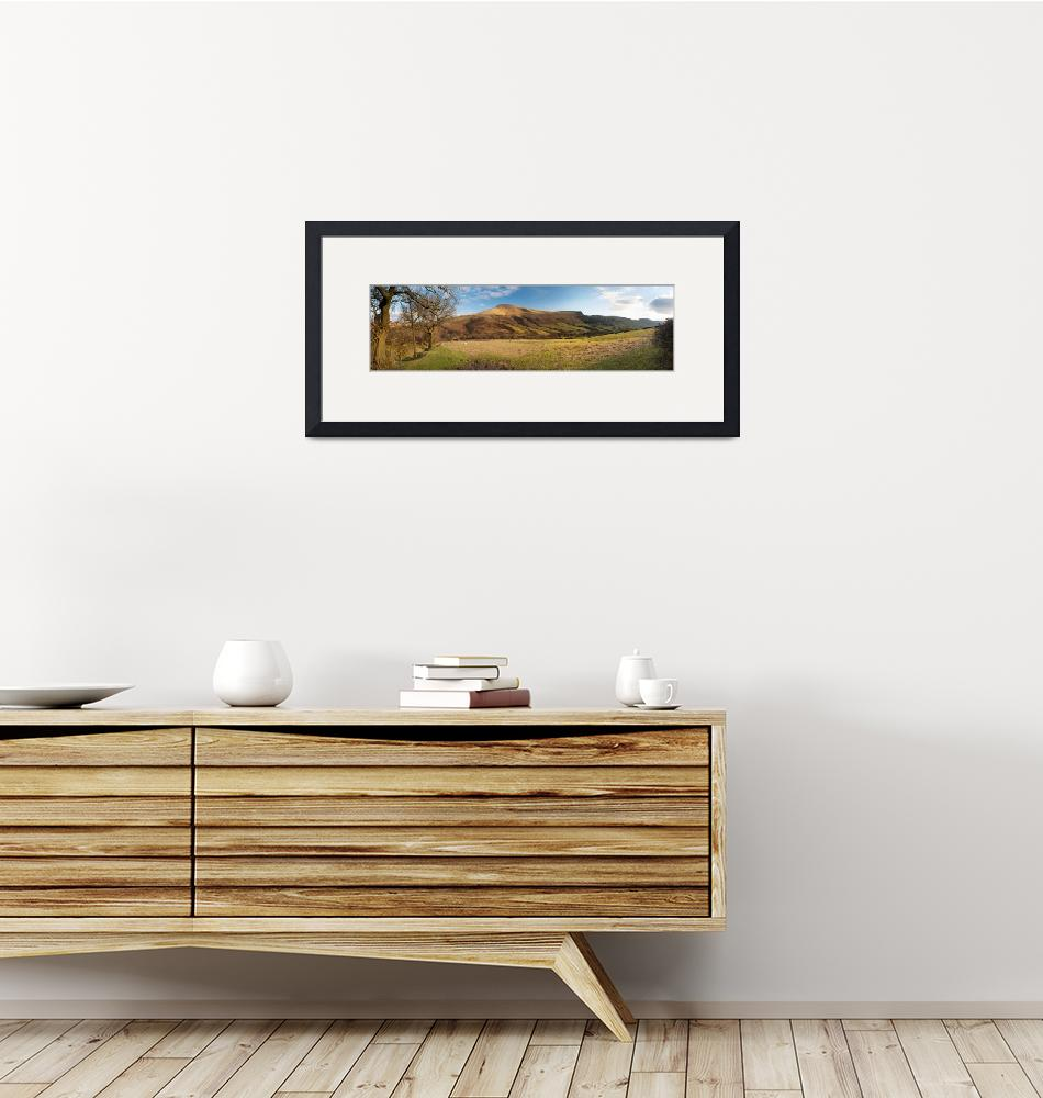 """""""""""Hill on a landscape, Lose Hill, Edale, Peak Distr""""  by Panoramic_Images"""