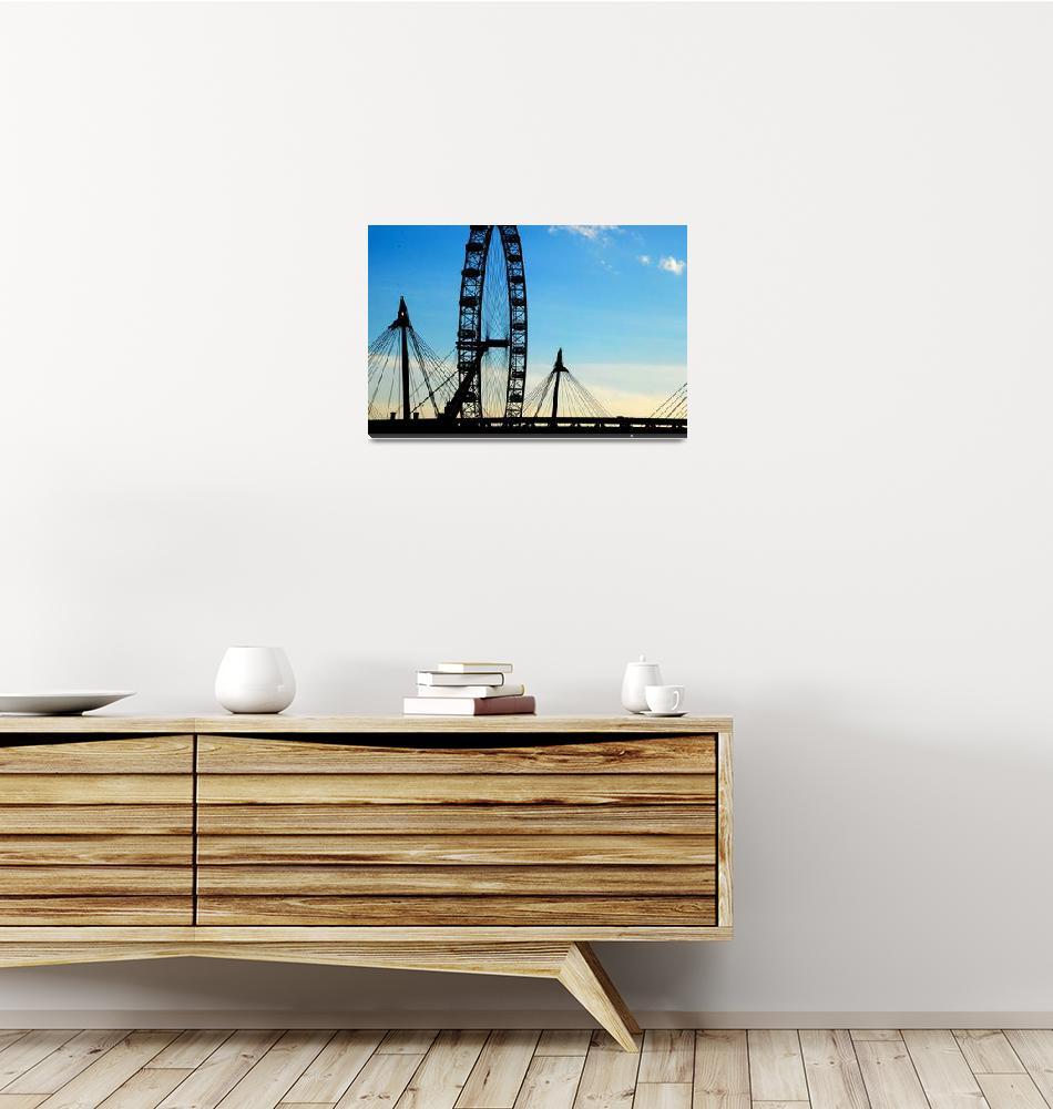 """London Eye""  (2010) by esinphotography"