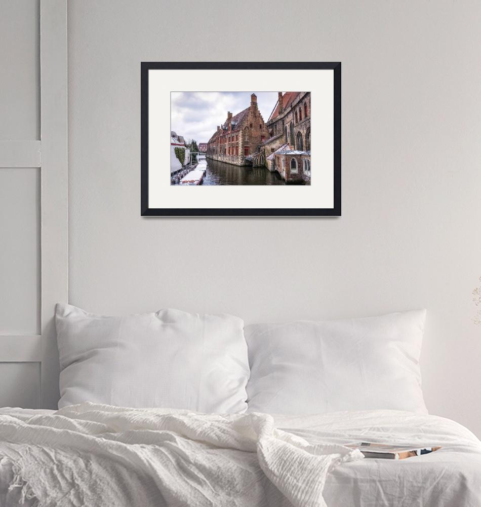 """""""Snow over Bruges""""  (2018) by aaronchoi"""